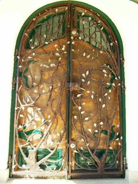 Porte-et-grille-arbre-1